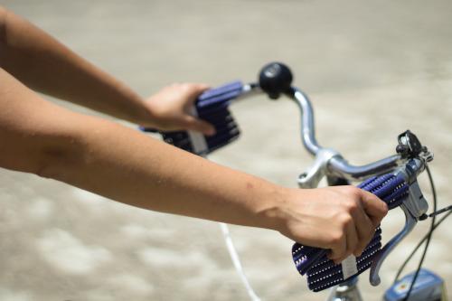 Handsi (blau) Fahrrad weit
