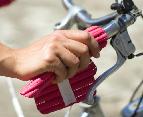 Handsi (pink) Fahrrad nah